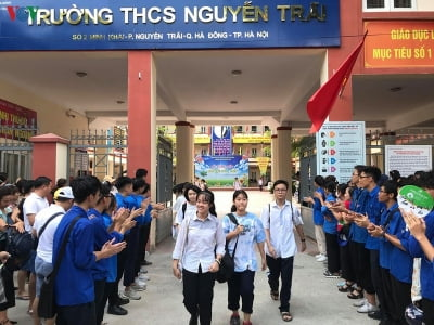 Thi vào lớp 10 ở Hà Nội: 476 thí sinh, 28 giám thị vắng trong buổi thi Toán