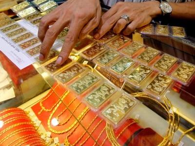 Giá vàng hôm nay 2/10: Đảo ngược tình thế, vàng lại bật tăng